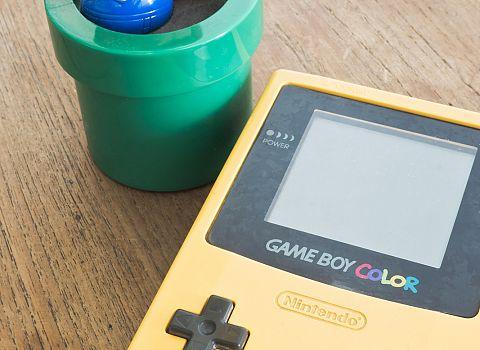 Oh, wat een decennium! Gameboy - De Postwagen
